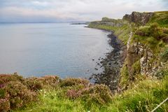 Montanhas escocesas, a ilha de Skye, Escócia fotografia de stock