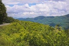 Montanhas fumarentos Fotos de Stock Royalty Free