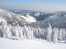 Montanhas gigantes no inverno Foto de Stock