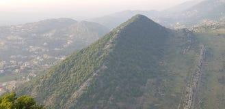 Montanhas na distância imagem de stock royalty free