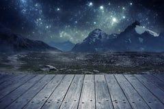 Montanhas na noite Fotos de Stock Royalty Free