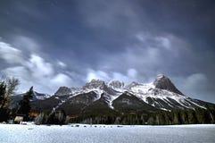 Montanhas na noite em Canmore Foto de Stock Royalty Free