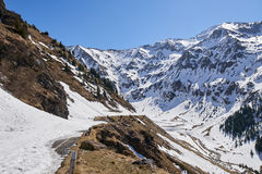 Montanhas na primavera Imagens de Stock