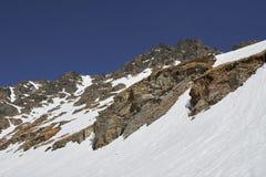 Montanhas na primavera Imagens de Stock Royalty Free