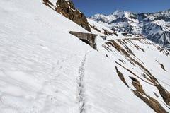Montanhas na primavera Fotografia de Stock Royalty Free