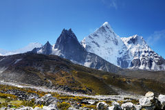 Montanhas Nepal de Himalaya Foto de Stock