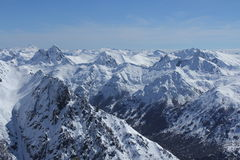Montanhas nevadas Imagens de Stock