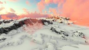 Montanhas nevado e nuvens Timelapse do vermelho video estoque