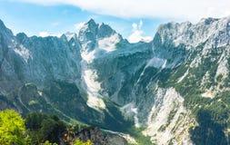 Montanhas nevados altas no Eslovênia imagem de stock royalty free