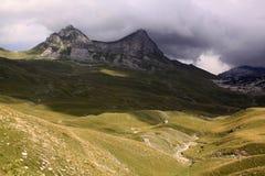 Montanhas no parque nacional de Durmitor, Montenegro Fotos de Stock Royalty Free