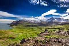 Montanhas nos fiordes ocidentais, Islândia Fotografia de Stock Royalty Free