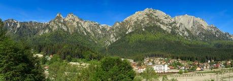 Montanhas panorama de Bucegi, Carpathians, Roménia Fotografia de Stock