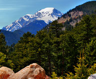 Montanhas Rochosas na primavera foto de stock