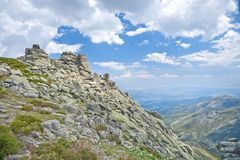 Montanhas rochosas no parque natural de Gredos Fotos de Stock