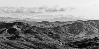 Montanhas sicilianos em preto e branco fotografia de stock