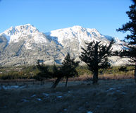 Montanhas Snowcovered Imagem de Stock