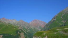 Montanhas verdes bonitas de Geórgia, vista geral vídeos de arquivo