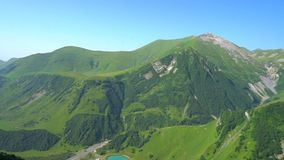 Montanhas verdes bonitas de Geórgia, vista geral video estoque