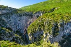 Montanhas verdes do desfiladeiro de Verdon Imagens de Stock Royalty Free