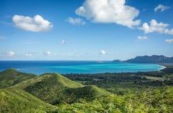 Montanhas verdes luxúrias de Havaí Imagens de Stock
