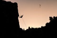 Montanhista aventuroso e livre Foto de Stock