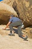Montanhista de rocha masculino Fotografia de Stock Royalty Free