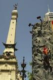 Montanhista e monumento Fotos de Stock Royalty Free