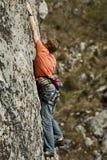 Montanhista na rocha Fotografia de Stock Royalty Free