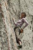 Montanhista na rocha Foto de Stock