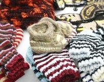 Montantes tricotados manualmente do bebê fotografia de stock royalty free