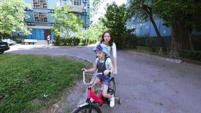Montar una bici almacen de video