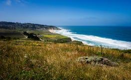 Montara, Kalifornien och Montara statlig strand Royaltyfria Bilder