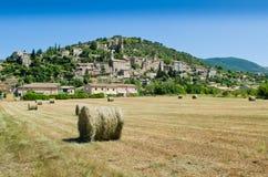 Montbrun les Bains stock afbeeldingen