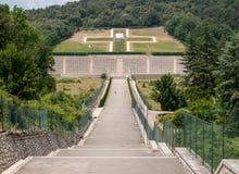 Monte的卡西诺-在Monte卡西诺争斗死波兰士兵的大墓地波兰战争公墓  库存照片