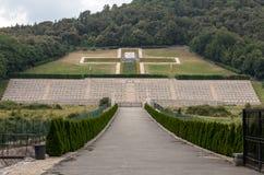 Monte的卡西诺-在Monte卡西诺争斗死波兰士兵的大墓地波兰战争公墓  免版税库存照片