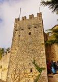 Monte的Titano Guaita堡垒在圣马力诺 免版税图库摄影