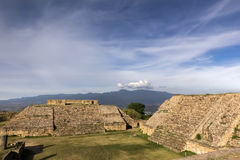 Monte Alban Pyramids Lizenzfreie Stockfotos