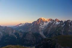 Monte Bianco o Mont Blanc ad alba, lato italiano Fotografia Stock Libera da Diritti