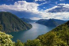 Monte Bre - utkik över sjön Lugano Royaltyfria Bilder