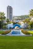 Monte - Carlo, Mônaco com escultura do espelho do céu Fotos de Stock Royalty Free
