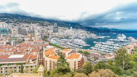 Monte, Carlo miasta panoramy powietrzny timelapse - Widok luksusowi jachty i mieszkania w schronieniu Monaco, Cote d ` Azur zbiory wideo