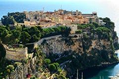 Monte - carlo, Monaco som är stenigt, princeÂs slott, furstendöme, Arkivbilder