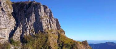 Monte Corchia Apuan fjällängnatur parkerar, Tuscany, Italien arkivfoto