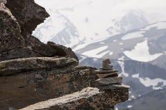 Monte de pedras da rocha na altura fotos de stock royalty free