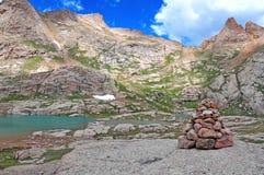 Monte de pedras que marca a maneira Foto de Stock