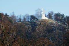 Monte de três cruzes fotografia de stock royalty free