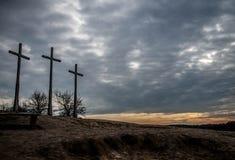Monte de três cruzes Fotos de Stock Royalty Free