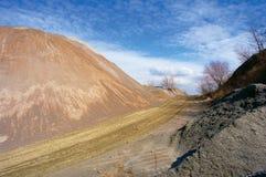 Monte e estrada de pedra artificiais Imagens de Stock Royalty Free