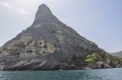 Monte Eagle Qoba Qaya na zona oriental da Crimeia na vila de Novy Svet Imagens de Stock Royalty Free