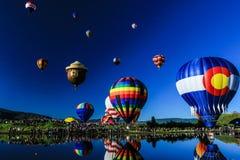 Monte en ballon un flotteur Images libres de droits